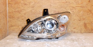 Predné bi-xenónové LED svetlo Mercedes Vito Viano facelift 2010 –