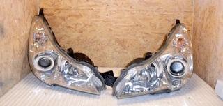 Predné bi-xenónové svetlo Subaru Legacy Outback 2010-