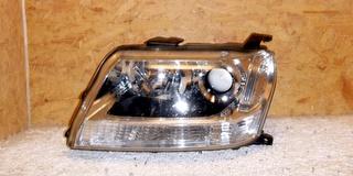 Predné xenónové svetlo Suzuki Vitara 2005-2012
