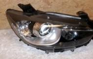 Predné bi-xenónové svetlo na Mazda CX5 2012 -