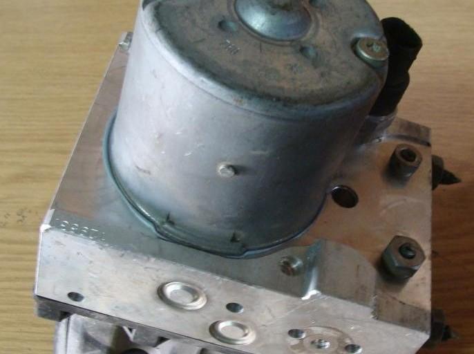 Pumpa ABS ASR riadiaca jednotka ABS ASR ALFA 147 , FIAT STILO 46784469 46825714