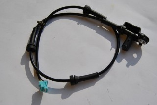 Predný snímač ABS na NISSAN 350Z INFINITI G35