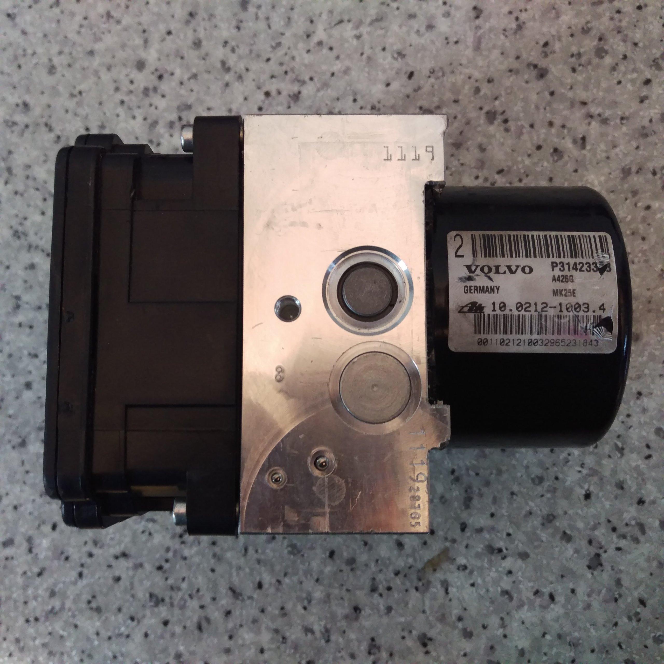 Riadiaca jednotka modul ABS ESP na Volvo XC60 P31423348 28.5262-5830.3