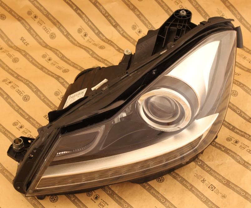 Predné bi-xenónové svetlo na MERCEDES C W204 AMG 11-14