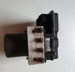 Riadiaca jednotka modul ABS na Mercedes Sprinter W906 Crafter 0265251365 A0074314612