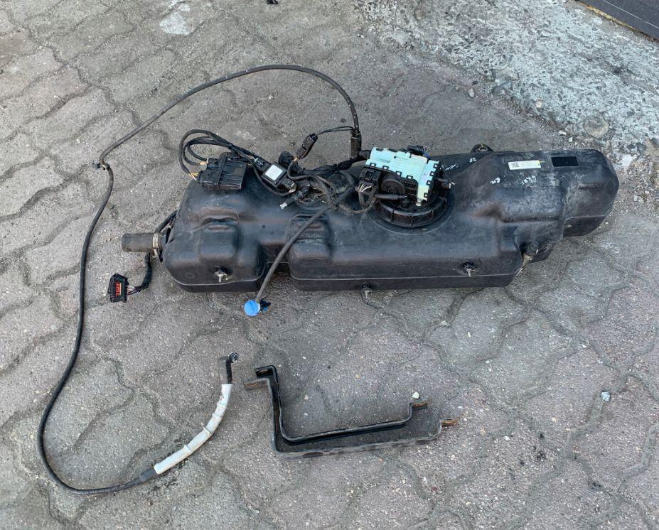 Nádrž na AdBlue VW Crafter Mercedes Sprinter A9064700504