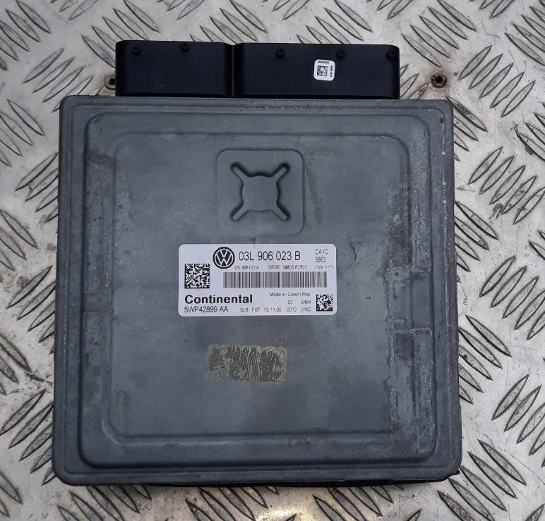 Riadiaca jednotka 03L906023B 5WP42899AA VW Golf Jetta Touran 1,6 TDI