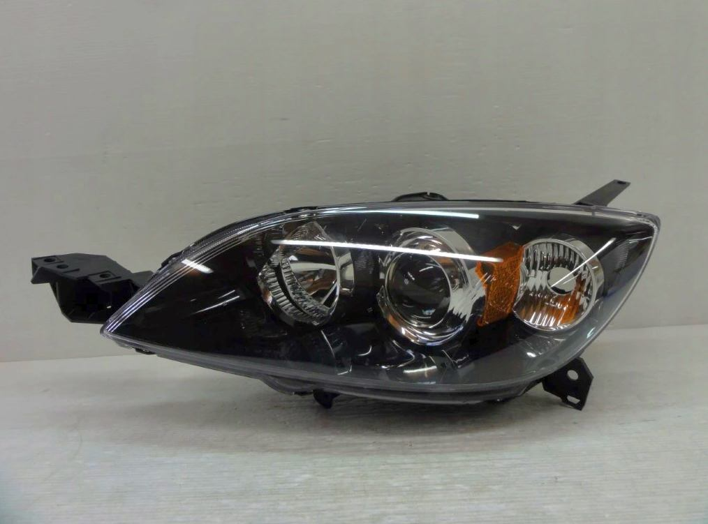 Predné xenónové svetlo Mazda 3 2003-2008