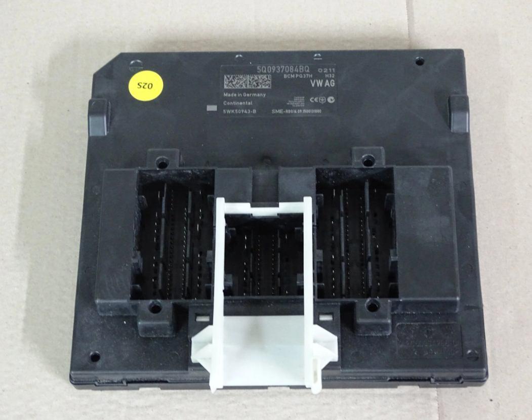 Riadiaca jednotka modul komfortu BCM 5Q0937084BQ na VW Audi Seat Škoda