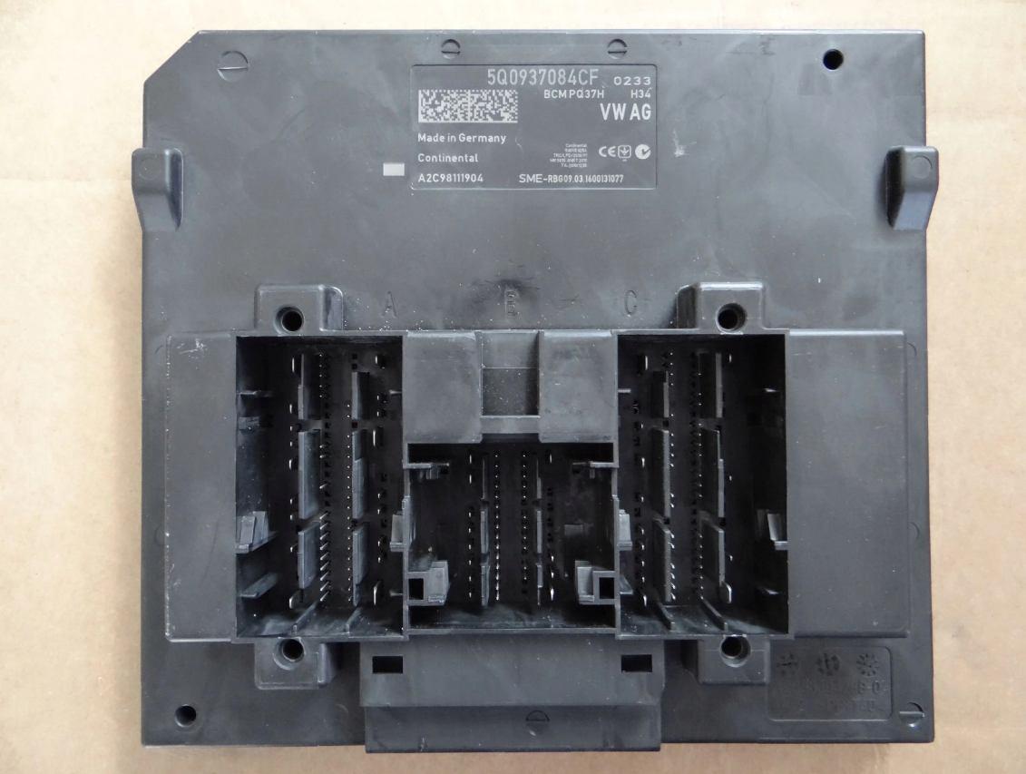Riadiaca jednotka modul komfortu BCM 5Q0937084CF na VW Audi Seat Škoda