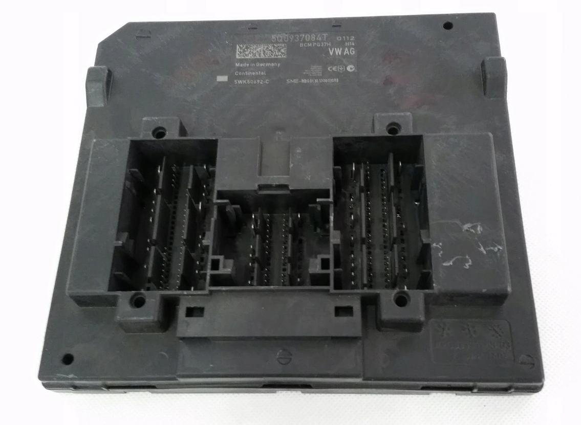Riadiaca jednotka modul komfortu BCM 5Q0937084T na VW Audi Seat Škoda