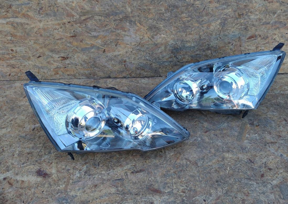Predné xenónové svetlo na Honda CR-V 2006-2012