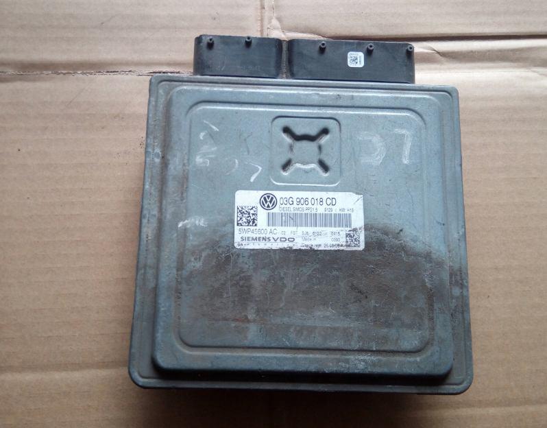 Riadiaca jednotka 03G906018CD na VW PASSAT B6 2,0 TDi BKP